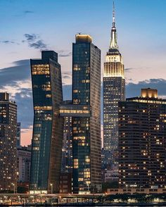 Midtown Manhattan by David LaCombe by newyorkcityfeelings.com - The Best Photos and Videos of New York City including the Statue of Liberty Brooklyn Bridge Central Park Empire State Building Chrysler Building and other popular New York places and attractions.
