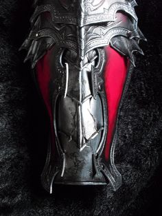 work in progress (Chaos female heavy armor) Cool Costumes, Cosplay Costumes, Chainmail Armor, Foam Armor, Helmet Armor, Badass Outfit, Horse Armor, Female Armor, Leather Armor