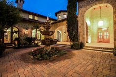 Entry Courtyard :: Tuscan style estate :: Dallas, Texas