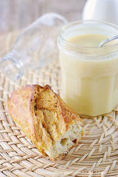 Pâte à tartiner au chocolat blanc Flan, Cooking Time, Glass Of Milk, Biscuits, Caramel, Food And Drink, Gluten, Pudding, Nutella Vegan