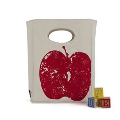 Ditch the paper bag for a washable, sustainable, fabric alternative. Way cuter too! Organic Lunch Bag (Red Apple), by Fluf Sac Lunch, Food Canisters, Apple Festival, Lunch Containers, Lunch Boxes, Last Minute Gifts, Red Apple, Types Of Food, Safe Food