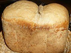 """Proč """"bramborákový""""? Je to vlastně recept na náš nejoblíbenější chleba (Kváskový chléb s bramborákem), a proto, že bramborák v prášku obsahuje i určité přísady, které v našem jídelníčku nechci, dělám chleba už bez něj. Pouze pro vůni přidávám ke kmínu i trochu sušeného česneku a ždibíček majoránky. Suroviny: na kvásek 30 g pravidelně živeného žitného…"""