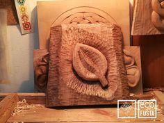 Alicia realizando la #hoja de #tallamadera en #ecofusta , #taller de #artesania en #Ripollet, #Barcelona . https://www.tallamadera.com/cursos . #nature #naturephotography #nature_lovers #naturelovers #natureza #nature_good #naturel #nature_photo #woodcarving #pfeiltools #gubiaspfeil #pfeil  #woodcarvingart #woodcarvingtools #woodcarvinglove #art #arte #wood #handmade #madera #artesano #crecimientopersonal #ecoeducacion