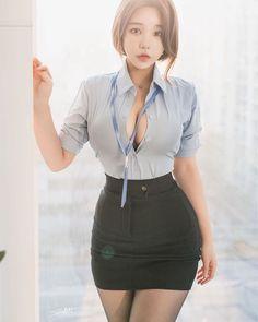 Cute Asian Girls, Girly Girl Outfits, Sexy Skirt, Beautiful Asian Women, Asian Fashion, Asian Woman, Girl Photos, Asian Beauty, Woman Clothing