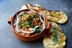 CHANA MASALA AND GARLIC NAAN WITH KIRTHI | The Kitchy Kitchen