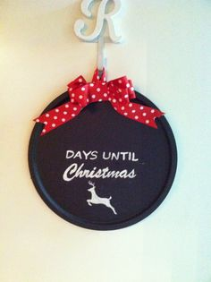 I made these chalkboard/magnet boards for my nieces and a couple of my sisters for Christmas.   Materials: Pizza Pans   Chalkboard paint a...