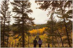 mountain-engagement-photos-fall-colorado