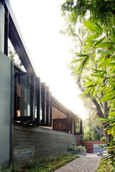 The Chic San Lorenzo Residence Featuring Steel And Glass Spaces