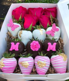 Hot Chocolate Gifts, Chocolate Covered Treats, Custom Chocolate, Chocolate Dipped Strawberries, Chocolate Sweets, Chocolate Hearts, Mothers Day Chocolates, Mothers Day Desserts, Dessert Packaging