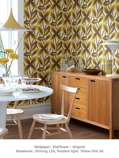 Posts about Interior Trend written by Erika Interior Design & Decoration Retro Dining Rooms, Retro Room, Mid Century Modern Decor, Mid Century Modern Furniture, Décoration Mid Century, Little Greene Paint Company, Buffet Teck, Period Living, Piece A Vivre