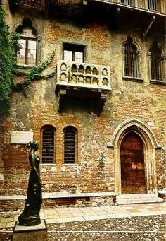 """Juliet house"".. Verona, Italy another place I cannot wait to see"