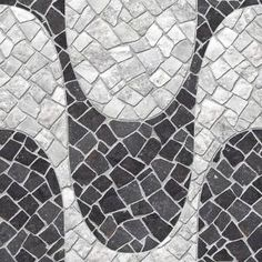 Um dos nossos lançamentos em revestimento da Incefra simula as pedras portuguesas do Calçadão de Copacabana. Veja mais no site!  Ref. HD-51190 | 50x50 cm | No Slip #copacabana #calcada #pisoceramico #pisocalcada #piso #incefra #decor #inspiracao #pedraportuguesa