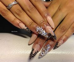 mysupersweetnails:  Super sexy nails for my girl…..love these!