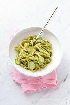 Pasta con pesto di zucchine e zenzero by Zucchero e Zenzero, via Flickr  http://www.intermeditalia.com/blog/153-le-10-propriet%C3%A0-dello-zenzero-che-ancora-non-conosci.html