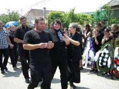 Ultimul drum pentru Lavinia, Darius, Daria, Cosmina Petruț-Pop – CrestinTotal.ro Places To Visit