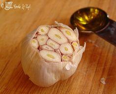 How to Roast Garlic, Tutorial  via Jamie Cooks It Up