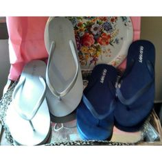 Old Navy flip flops; two pair for the price of one! Silver-gray & blue US…