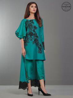 Zainab Chottani Luxury Pret 2018 Collection REGALE EMERALD SKU: 120534 with model Marvi Shabbir