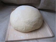 J'emploie pour toute la boulange de la levure de boulanger sèche, instantanée. Evidemment, elle ne remplace pas la fraîche mais c'est telle...