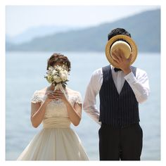 今時っぽくって、インスタ映えもばっちり*前撮りで撮りたい可愛いポーズはこの3つ! | marry[マリー] Wedding Veils, Wedding Poses, Wedding Dresses, Wedding Photography Styles, Couple Photography, Japanese Wedding, Santorini Wedding, Before Wedding, Pre Wedding Photoshoot
