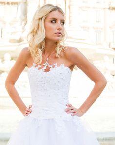 Robe de mariée sur mesure Lyon - Ludivine Guillot / Dentelle - Bustier - Strass - Tulle  - wedding dress - bridal gown - lace - mariage - tendance 2017 2018