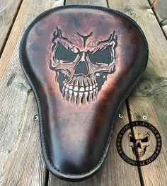 Outstanding Harley davidson motorcycles images are offered on our website. Have a look and you wont be sorry you did. Harley Davidson Bike Images, Harley Davidson Iron 883, Harley Davidson Motorcycles, Motorcycle Seats, Motorcycle Leather, Bike Seat, Motorcycle Garage, Leather Carving, Leather Tooling