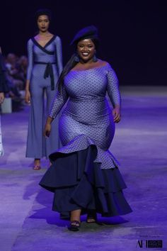 busty women see these Beautiful Big and beautiful ankara gown styles for plus size ladies, plus size ankara gown for busty ladies African Fashion Designers, African Fashion Ankara, African Print Dresses, African Print Fashion, African Dress, African Prints, Beautiful Ankara Gowns, Beautiful Ankara Styles, Fashion Mode