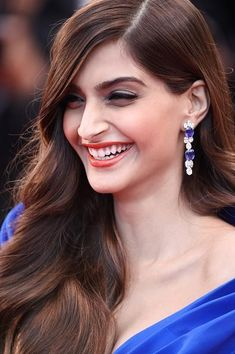 Cannes 2015: Sonam Kapoor at the premier of 'The Sea of Trees'   PINKVILLA