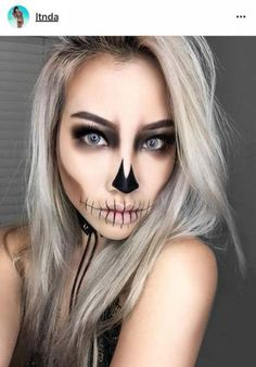 trendy holiday makeup looks tutorials halloween costumes - Halloween - Make-Up Hochzeit Halloween 2018, Halloween Looks, Halloween Clown, Sugar Skull Halloween, Halloween Inspo, Unique Halloween Makeup, Holiday Makeup Looks, Pretty Skeleton Makeup, Halloween Skeleton Makeup