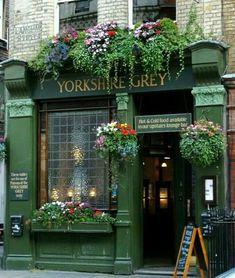 Yorkshire grey pub, london places to visit restaurant terras Vitrine Design, Deco Restaurant, British Pub, British Isles, Cafe Shop, Shop Fronts, Flower Boxes, Belle Photo, London England