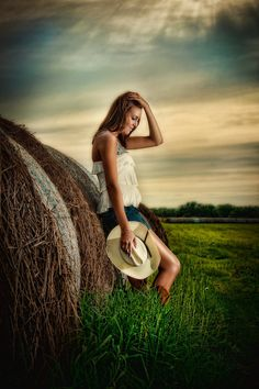 SENIOR GIRL COUNTRY STYLE PHOTOGRAPHY | Related Pictures creative portraits from fruits vegetables and flowers ...