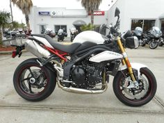 Specifications for the 2013 Triumph Speed Triple R ABS - Crystal White