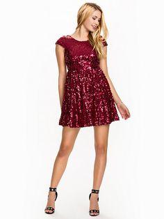 Sequin Skater Dress - Nly One - Röd - Festklänningar - Kläder - Kvinna - Nelly.com