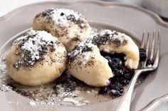 Nejjednodušší (a nejlepší) ovocné knedlíky - Slovakian sweet plum dumplings. Slovak Recipes, Czech Recipes, Food 52, Diy Food, Slovakian Food, Sweet Dishes Recipes, Czech Desserts, Sweet Cooking, Sweet And Salty