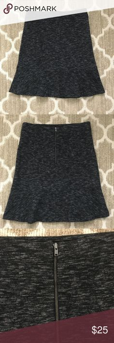 LOFT Flippy Skirt NWOT Brand new without tags! Ann Taylor LOFT heathered charcoal gray floppy skirt. Perfect for work or play! Size XXS fits like an XS. LOFT Skirts Mini
