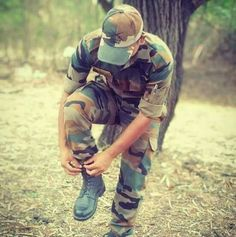 Army Love Quotes, Pak Army Quotes, Indian Army Quotes, Army Couple Pictures, Indian Army Special Forces, Pak Army Soldiers, Indian Army Wallpapers, Army Pics, Pakistan Armed Forces