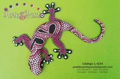 Dot Art Painting, Rock Painting Designs, Stone Painting, Aboriginal Dot Art, African Art Paintings, Bottle Cap Art, Frog Art, Mandala Dots, Pencil And Paper