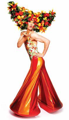 Resultado de imagen de wigs + priscilla of the desert Theatre Costumes, Movie Costumes, Drag Queens, Foam Wigs, Flower Costume, Queen Outfit, Vintage Hippie, Club Kids, Rupaul