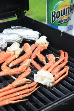Grilled Crab legs on bbq gas or charcoal grill So quick and easy! Skip the seafood crackers for RESTART®️. Grilling Tips, Grilling Recipes, Cooking Recipes, Grilling Chicken, Healthy Grilling, Vegetarian Grilling, Chicken Dips, Smoker Recipes, Barbecue Recipes