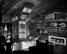Abelardo Morell, Camera Obscura, Image of Time Square in Hotel Room 1997 Camera Obscura, Photography Courses, Art Photography, Conceptual Photography, Exposure Photography, Inspiring Photography, Creative Photography, Invert Image, Renaissance Artists