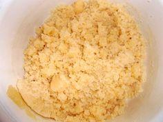 Krehký marhuľový koláč s maslovou posýpkou (fotorecept) - Recept Krispie Treats, Rice Krispies, Ale, Sugar, Desserts, Food, Basket, Tailgate Desserts, Deserts