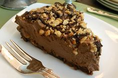 Snickers-Inspired Chocolate, Caramel, and Peanut Butter Pie [Vegan]