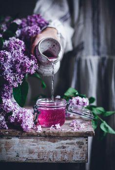 Lilac Syrup + 3-Ingredient No-Churn Lilac Ice Cream - Call Me Cupcake Chocolate Fudge Frosting, Chocolate Cake, Chocolate Spread, Call Me Cupcake, Summer Berries, Chocolate Hazelnut, White Chocolate, Pavlova, Frozen Treats