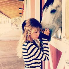 Lauren Conrad took a moment to chill with her happy horse.