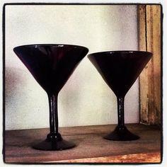 Black glass martini set, sexy! Martini Set, Black Christmas, Black Glass, All Black, Cocktail, Antiques, Store, Sexy, Vintage