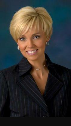 "Cincinnati News Anchor Tricia Macke Suspended for Calling Rachel Maddow an ""Angry Young Man"" Short Grey Hair, Short Thin Hair, Short Hair With Layers, Short Blonde, Short Hair Cuts For Women, Short Bob Hairstyles, Baddie Hairstyles, Hairstyles Videos, Bun Hairstyles"