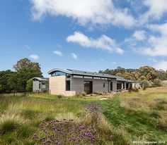 Meadow Farm - William McDonough + Partners House Roof, Farm House, Residential Architecture, Architecture Design, Zinc Roof, Solar Shades, Design Fields, Earth Homes, Organic Farming