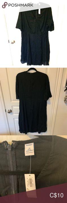 Black linen faux wrap dress Black linen faux wrap dress with zipper in back. With tags never worn Old Navy Dresses Midi Navy Midi Dress, Dress Black, Faux Wrap Dress, Black Linen, Plus Fashion, Fashion Tips, Fashion Trends, Old Navy Dresses, Zipper