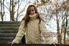 thick aran sweater hand knitting for a man/woman  www.modetempel.com