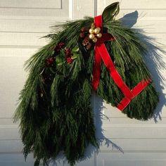 Horse head wreath More Christmas ideas Western Christmas, Christmas Horses, Southern Christmas, Noel Christmas, All Things Christmas, Handmade Christmas, Christmas Reef, Christmas Projects, Christmas Crafts